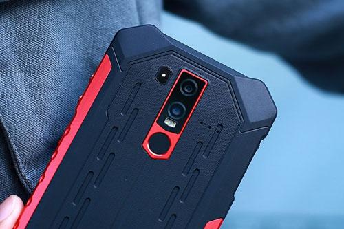 Smartphone 'nồi đồng cối đá', RAM 6 GB, pin 5.000 mAh, giá gần 8 triệu đồng