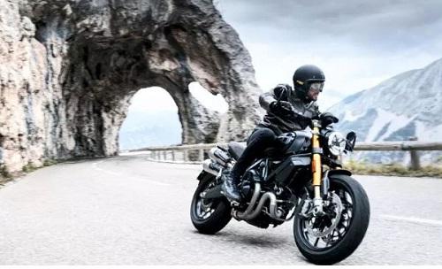 Ducati 1100 Sport PRO