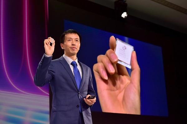 Ông Peng Song, Chủ tịch phụ trách bán hàng giải pháp và tiếp thị của Nhóm kinh doanh Hạ tầng viễn thông (Carrier BG) của Huawei.