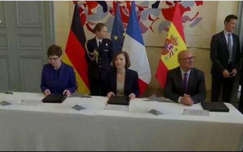Giới chức hai nước ký thỏa thuận hợp tác.