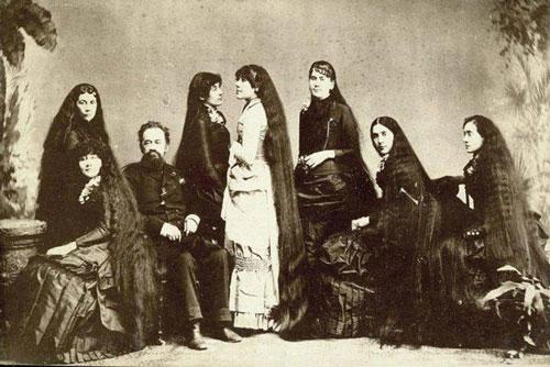 7 chị em nhà Sutherland. Ảnh: thevintagenews.com
