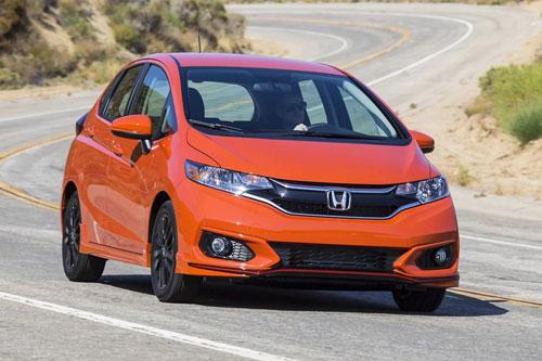 1. Honda Jazz (giá khởi điểm: 12.365 bảng).