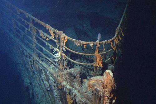 Xác con tàu Titanic dưới đáy biển. Con tàu bị chìm vì đâm vào băng trôi năm 1912. Ảnh: Wiki Commons.