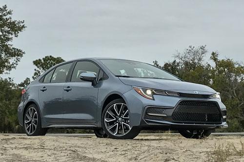 Top 10 ôtô đáng mua nhất năm 2020: Toyota áp đảo
