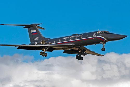 """NATO thót tim khi Nga hồi sinh """"hạt ngọc trai đen"""" Tu-134UBL"""