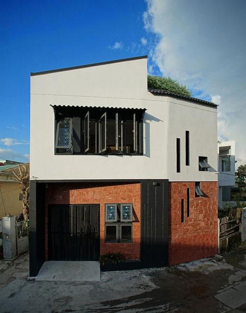 Ngôi nhà có diện tích 60 m2 và được thiết kế bởi IZ Architects.