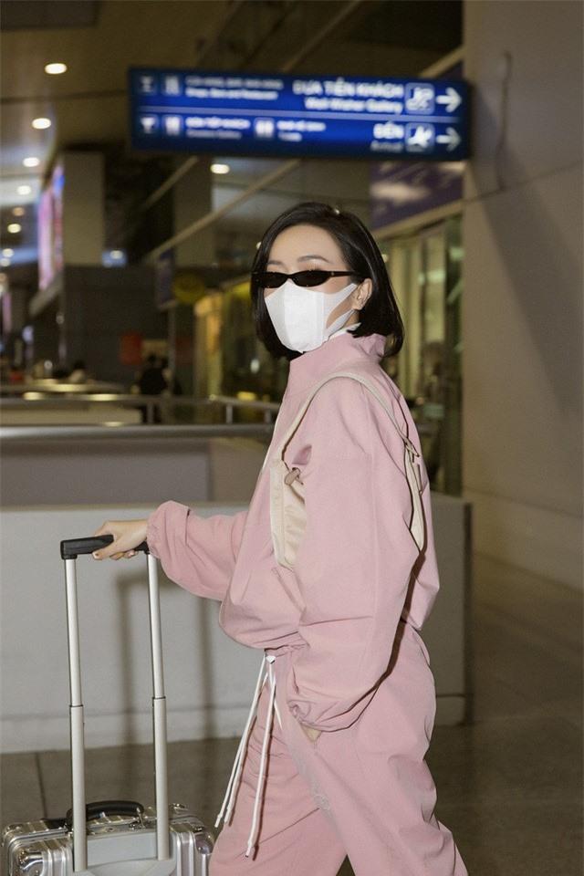 """Diệu Nhi thời thượng tại sân bay, """"đụng hàng"""" với Angelina Jolie, Kendall Jenner - Ảnh 5."""