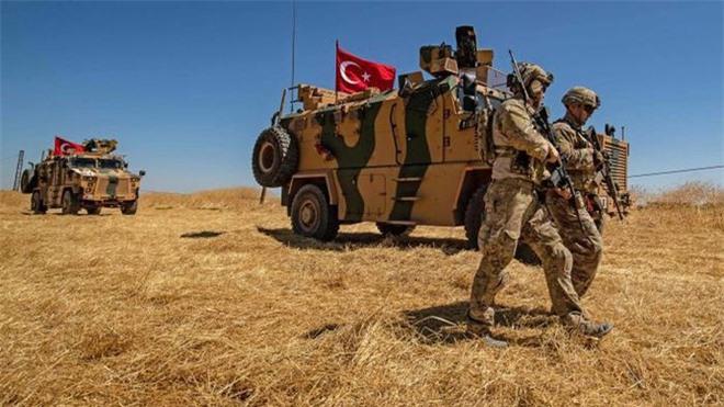 Nga tung nắm đấm, Thổ Nhĩ Kỳ lập tức xuống thang: Hỏa lực đã có tiếng nói ở Syria - Ảnh 1.