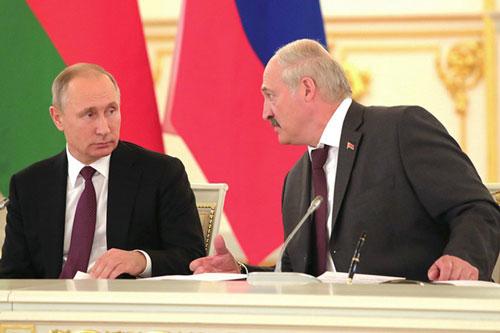 Quan hệ giữa Nga và Belarus đã đột ngột trở nên xấu đi khi Moskva cho biết, chỉ đồng ý cung cấp khi đốt với giá ưu đãi nếu Minsk đồng ý sáp nhập vào với Nga theo mô hình nhà nước liên minh.