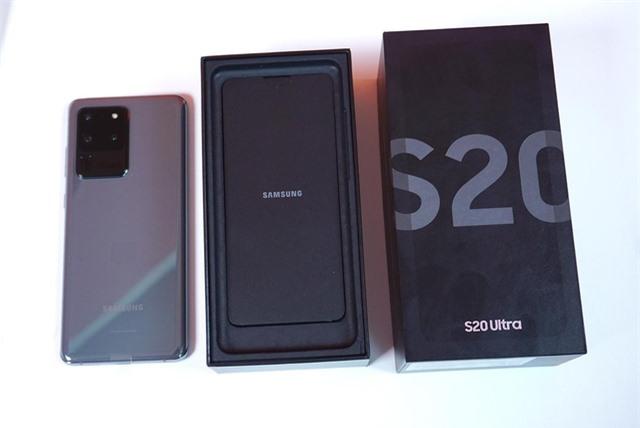 Mở hộp Galaxy S20 Ultra chính hãng giá gần 30 triệu đồng - 1