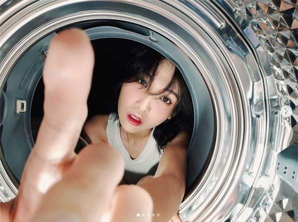 sao việt chụp trong lồng giặt 1