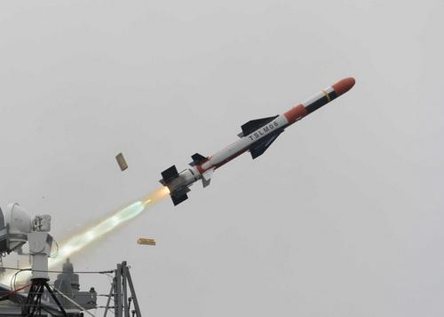 Tên lửa hành trình tấn công mặt đất SSM-750K Sea Dragon đang sử dụng động cơ SSE-750K. Ảnh: Military Review.