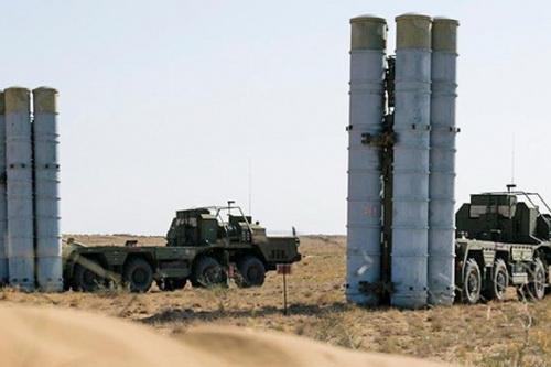 Tổ hợp phòng không S-300 của Syria bị Sina coi là vô dụng. Ảnh: TASS.
