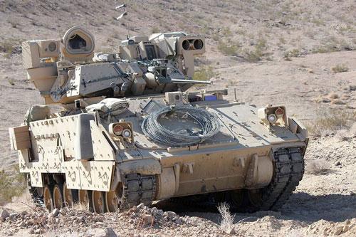 Theo thông tin của Spunik ngày 16/2, một đoàn gồm 55 xe tải Mỹ đã đi qua biên giới Iraq và Syria đến tỉnh Al-Hasakah, Đông Bắc Syria, mang theo một số lượng lớn xe tăng chiến đấu chủ lực, xe chiến đấu bộ binh và thiết bị hậu cần quân đội