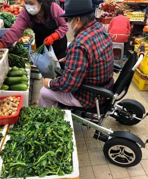 Đại ca võ thuật khét tiếng đa tình, cuối đời ngồi xe lăn đi chợ mua rau cho vợ - Ảnh 6.