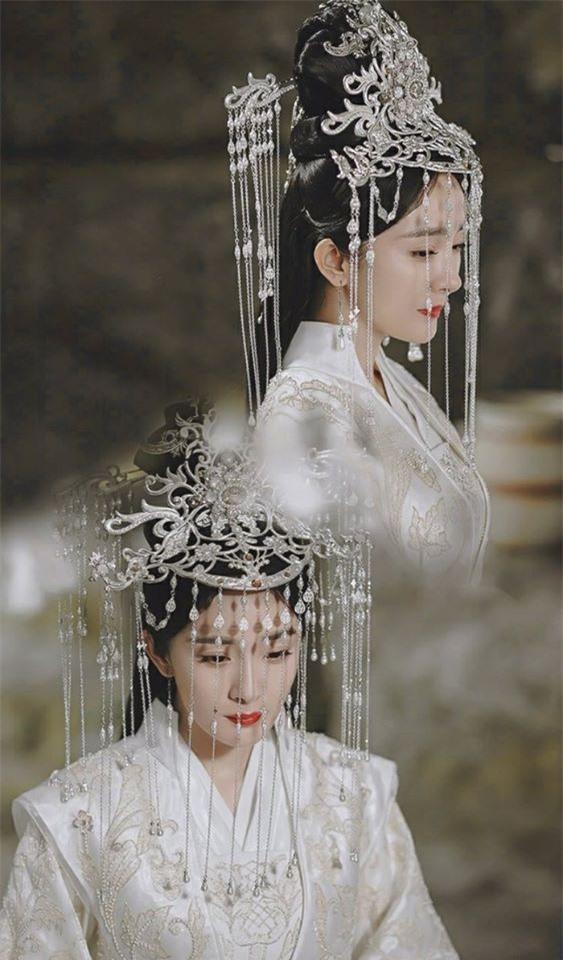 Fan gào thét vì tạo hình cô dâu của Địch Lệ Nhiệt Ba trong Chẩm thượng thư... quá nổi bật - Ảnh 3.