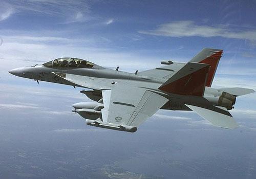 Chỉ vài chiếc EA-18G hoạt động là có thể vô hiệu hóa toàn bộ hệ thống điện tử của đối phương, đến điện thoại cũng không sử dụng được, sau đó nó sẽ phóng tên lửa tiêu diệt mục tiêu.