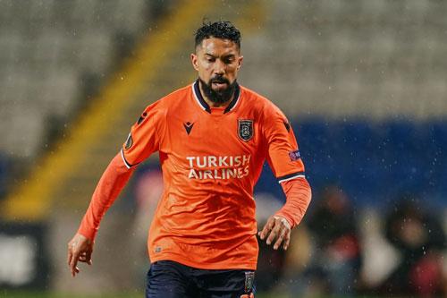 Hậu vệ trái: Gael Clichy (Istanbul Basaksehir).