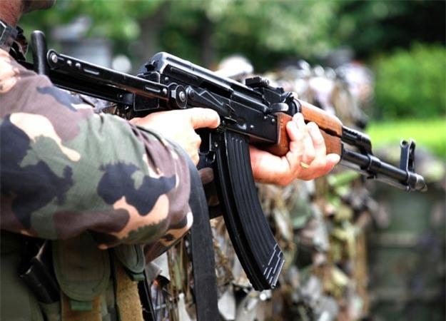 AK – 47 trở thành một trong máy giết người hủy diệt nhất trong lịch sử loài người. Loại súng này do Mikhail Kalashnikov (người Nga) phát minh ra trong giai đoạn Thế chiến II.