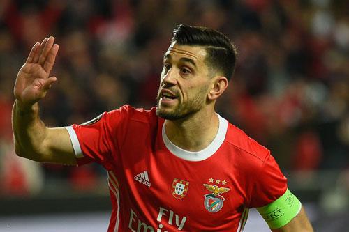 Tiền vệ phải: Pizzi (Benfica).
