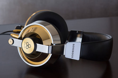 8. Final Audio Design Sonorous X (giá: 4.500 USD).