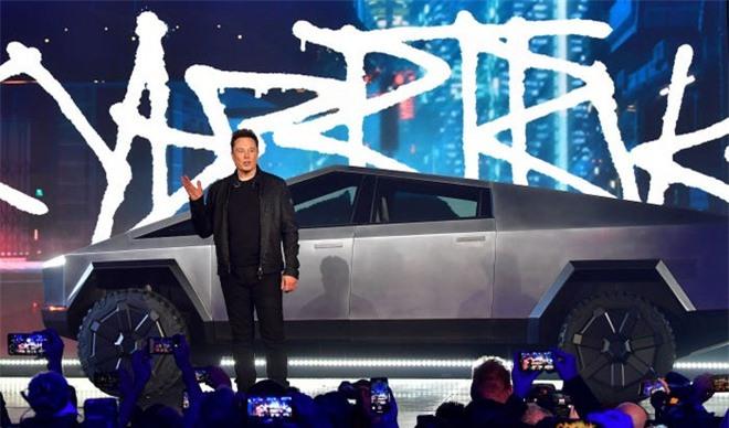 Bo suu tap xe hoi xa xi cua ty phu Elon Musk hinh anh 10 5dd7df6efd9db25bce7b55f4.jpg