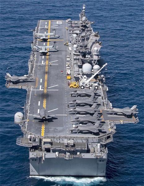 Các quan chức hải quân Mỹ cho biết thêm, nội dung chủ yếu trong phương án sửa chữa thiết kế tàu đổ bộ tấn công LHD là để giảm bớt áp lực xuống mặt boong và môi trường xung quanh do khí xả ở bụng máy bay tăng mạnh khi cất, hạ cánh tạo nên.
