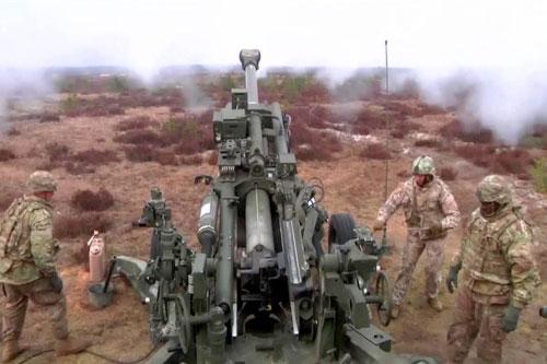Theo Defense News, Quân đội Mỹ vừa công bố về kế hoạch đầy tham vọng về việc trang bị lại cho quân đội Mỹ bằng các loại tổ hợp tên lửa và tổ hợp pháo binh tầm xa. Nguyên nhân khiến Mỹ đưa ra quyết định này là do những thành quả đáng kinh ngạc mà Nga đã đạt được.