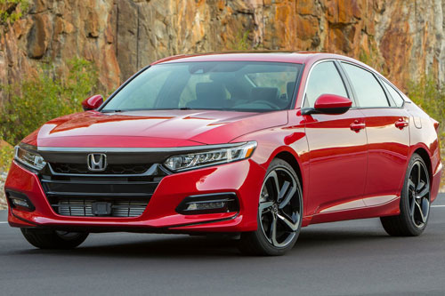 2. Honda Accord (doanh số: 534.275 chiếc).