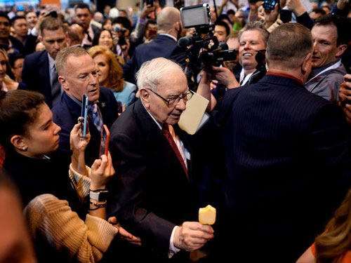 Tháng 2/2020, Warren Buffett chính thức trở thành CEO có thời gian phục vụ lâu nhất tại một công ty thuộc nhóm S&P 500 của Mỹ.