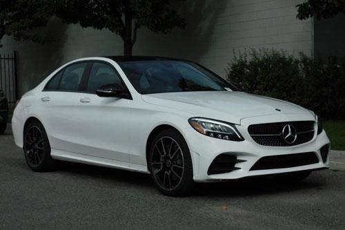 5. Mercedes-Benz C-Class (doanh số: 455.413 chiếc).