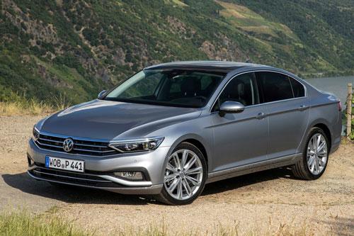 6. Volkswagen Passat (doanh số: 390.818 chiếc).