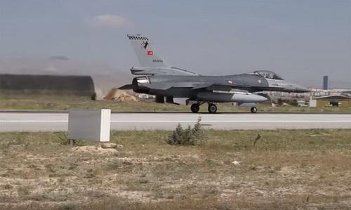 Thổ Nhĩ Kỳ đã ném bom các phần tử người Kurd trên đất Iraq. Ảnh: Topwar.