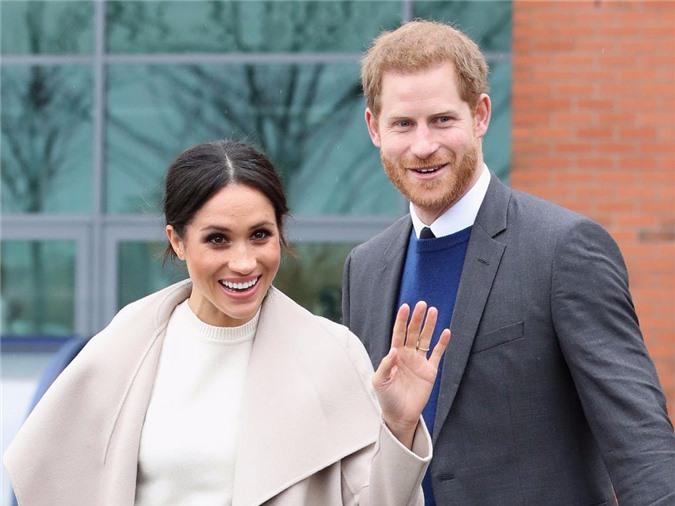 Nữ hoàng Anh chính thức gặp mặt cháu trai Harry sau những rạn nứt và tổn thương, chỉ với một câu nói cũng đủ khiến vợ chồng Meghan phải suy nghĩ - Ảnh 3.