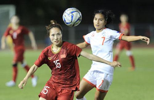 ĐT nữ Việt Nam (trái) đã rèn rất kỹ những miếng đánh phản công trước trận đấu với Australia Ảnh: ĐỨC CƯỜNG