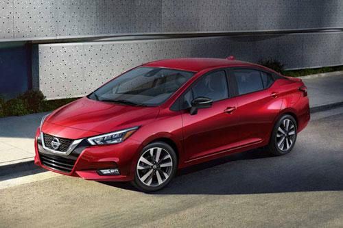 4. Nissan Versa 2020 (giá khởi điểm: 14.730 USD).