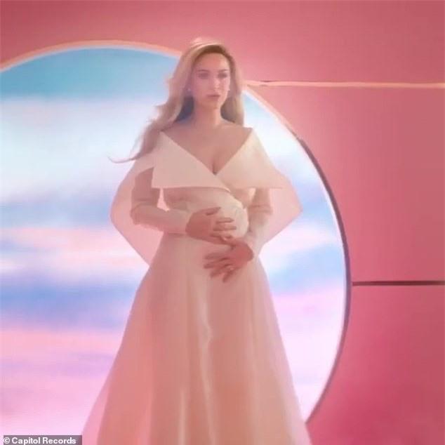 Hoành tráng như Katy Perry: Chính thức xác nhận mang thai cho tài tử Orlando Bloom qua MV mới - Ảnh 2.