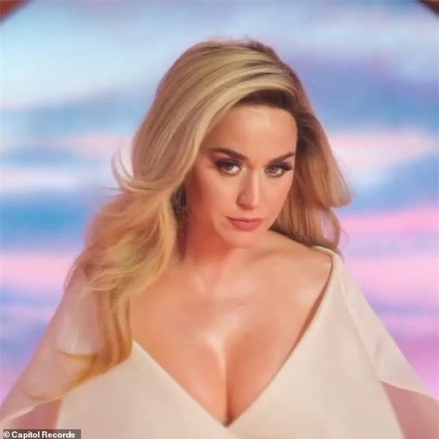 Hoành tráng như Katy Perry: Chính thức xác nhận mang thai cho tài tử Orlando Bloom qua MV mới - Ảnh 3.