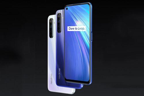 Realme 6 có 2 tùy chọn màu sắc gồm Comet White Comet Blue, bán ra ở Ấn Độ vào ngày 13/3. Giá của phiên bản RAM 4 GB/ROM 64 GB là 12.999 Rupee (tương đương 4,11 triệu đồng). Phiên bản RAM 6 GB/ROM 128 GB có giá 14.999 Rupee (4,74 triệu đồng). Để sở hữu bản RAM 8 GB/ROM 128 GB, khách hàng cần chi 15.999 Rupee (5,05 triệu đồng).