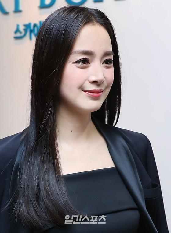 Đuôi mắt của Kim Tae Hee lộ rõ nhược điểm - Ảnh: Internet