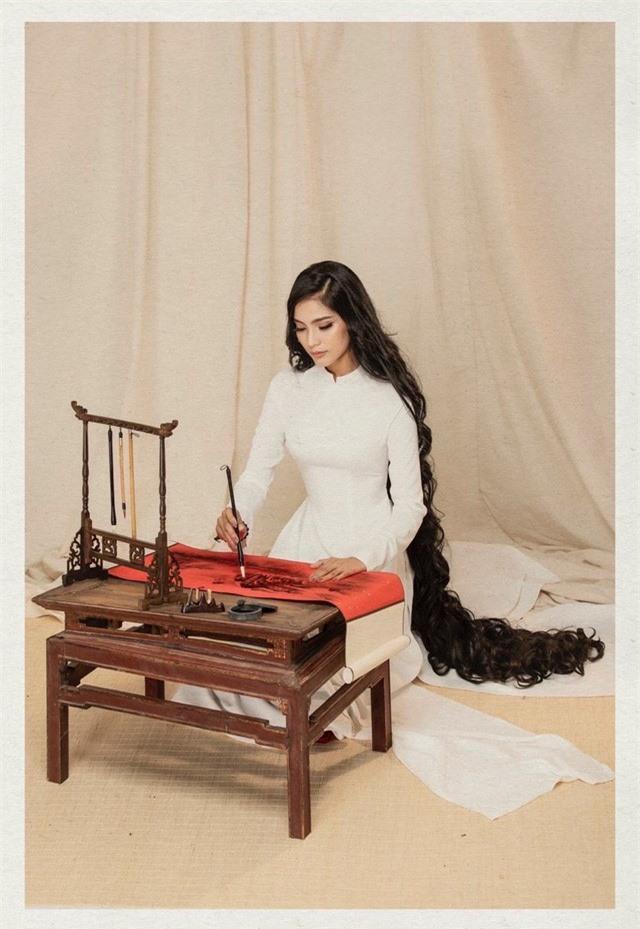 Á hậu Trương Thị May khoe bộ ảnh công-dung-ngôn-hạnh dịp 8/3 - Ảnh 8.