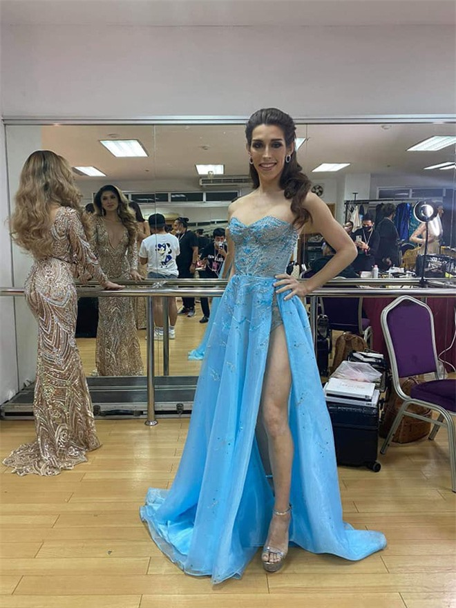Chuyện hậu trường tại bán kết Miss International Queen 2020: Mặc dù là đối thủ, Hoài Sa đã có hành động đẹp dành cho người đẹp Mỹ! - Ảnh 3.