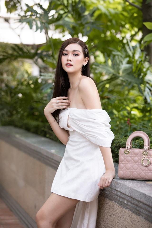 Đỗ Mỹ Linh diện váy độc lạ, đọ sắc bên Lương Thùy Linh và Tường San - Ảnh 16.