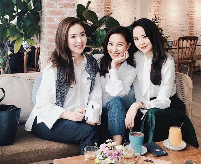 Nhan sắc đời thường xinh đẹp, gợi cảm của nữ MC Thời tiết lâu năm - Quỳnh Hoa 2