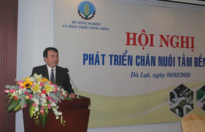Tiến sĩ Phạm S, Phó Chủ tịch UBND tỉnh Lâm Đồng chia sẻ thông tin tại hội nghị