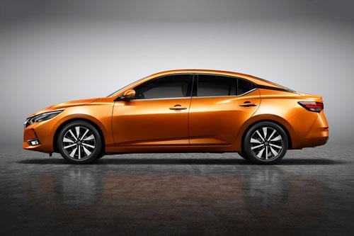 1. Nissan Sylphy (doanh số: 37.306 chiếc).