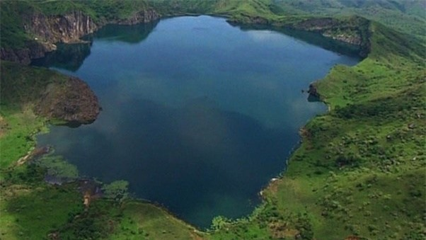 1001 thắc mắc: Hồ Nyos có bí ẩn gì mà một giờ giết chết 1700 người? - Ảnh 1.