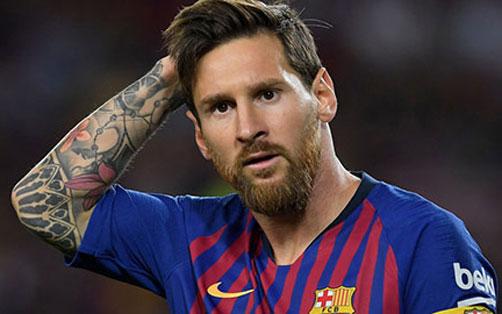 Leo Messi bị chỉ trích vì đi bộ ngày càng nhiều.