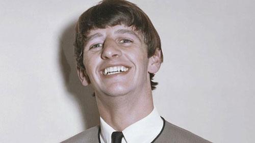 Ringo Starr là tay trống của ban nhạc huyền thoại The Beatles.