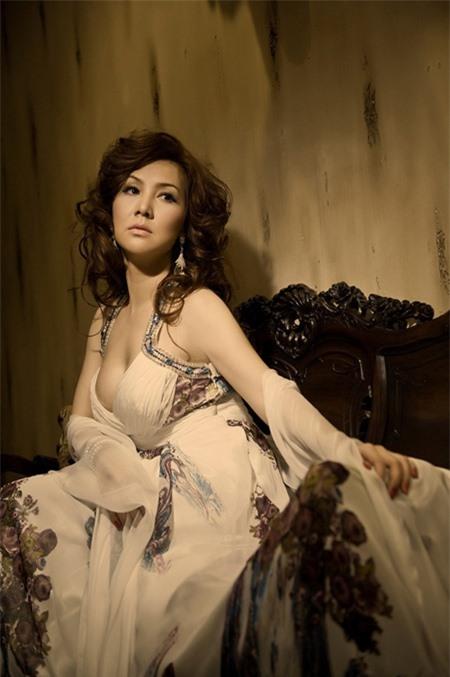 cuoc-song-cua-mong-van-sau-khi-ly-hon-chong-dai-gia-gio-ra-sao-8-ngoisao.vn-w450-h677 6